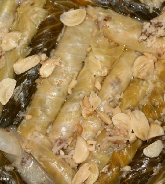 3525_freshly-cooked-stuffed-cabbage-leaves-369x410