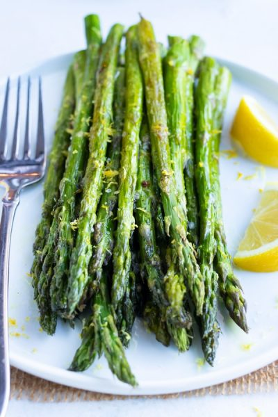 Lemon-Garlic-Roasted-Asparagus-21