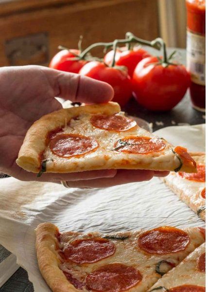 low-carb-pepperoni-pizza-8